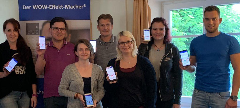 Die Seminarteilnehmer mit der SalesButler®-App