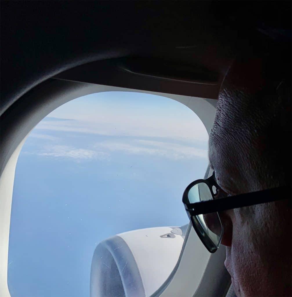 Hannes Katzenbeisser im Flugzeug