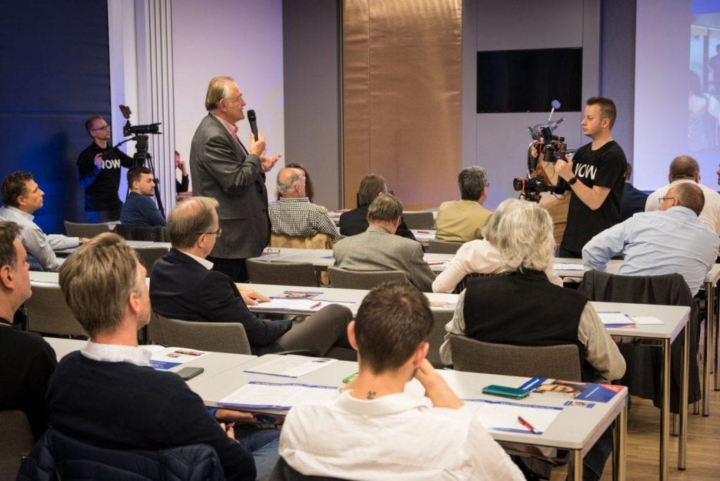 KR Erwin Pellet im Video-Workshop DIE POWER SHOW®
